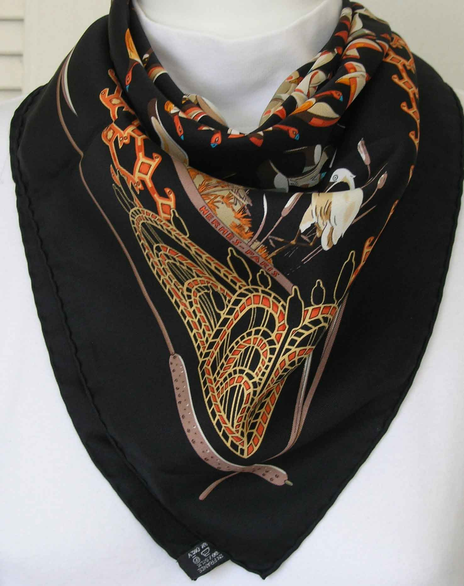libre comme l 39 air hermes scarf it 39 s all goode. Black Bedroom Furniture Sets. Home Design Ideas