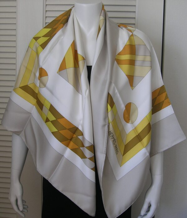 Psyche Lave Geant 140cm Hermes Shawl